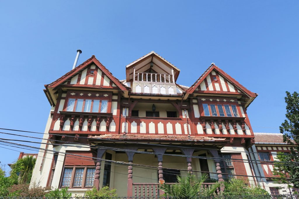 Vina Del mar Wooden House