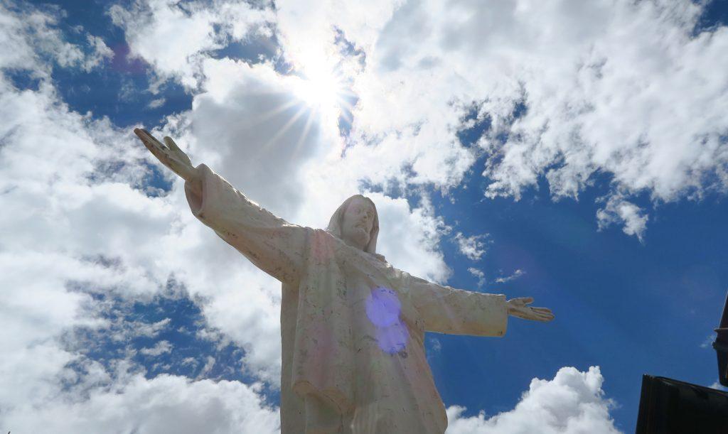 Christo Blanco Statue