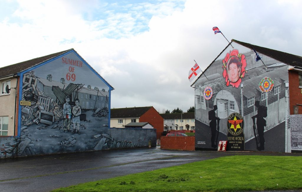Murals On Black Cab Tour Belfast